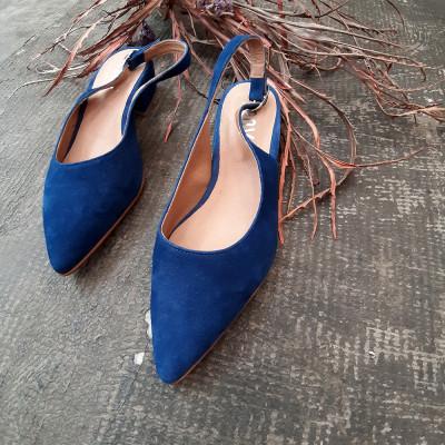Zapato ante azulón