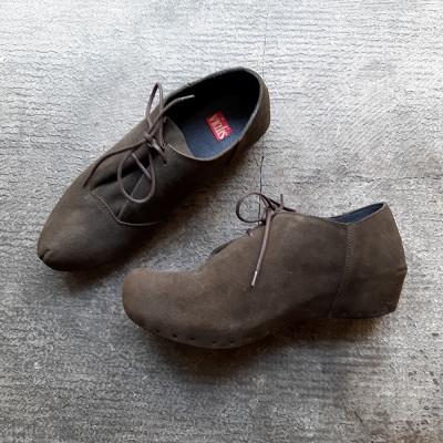 Zapato verde serraje